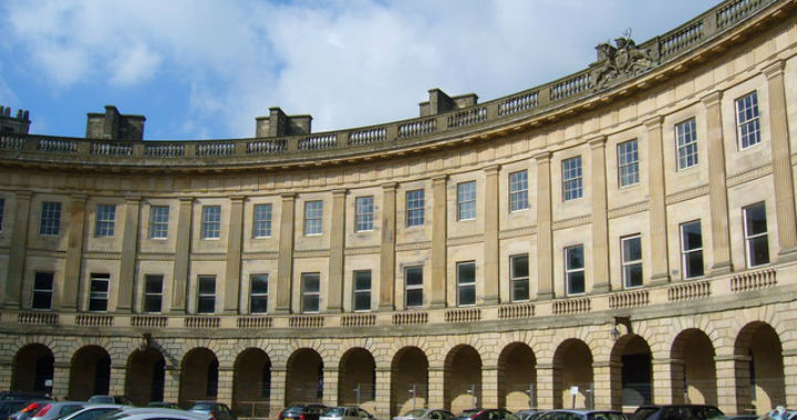 yoursashwindows.com appointed to replace sash windows on the prestigious Buxton Crescent restoration project
